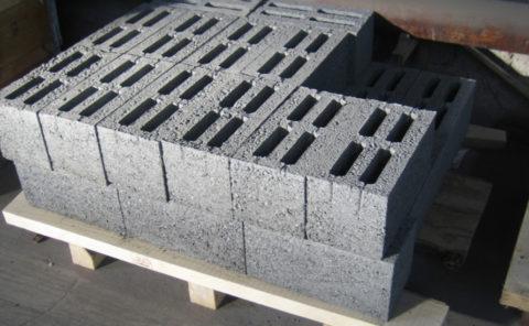 Блок из керамзитобетона стеновой