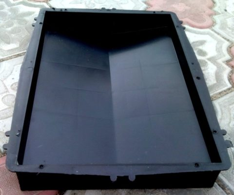 Форма для отливки бетонной крышки