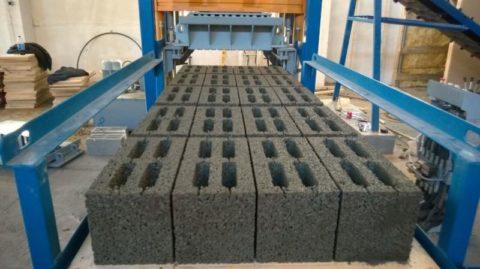 Изготовление керамзитоблока