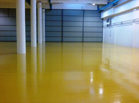 Полимерный лак на бетонном окрашенном полу