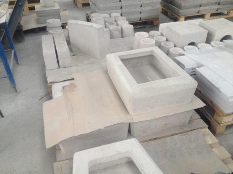 Штучные огнеупорные изделия из жаростойкого бетона
