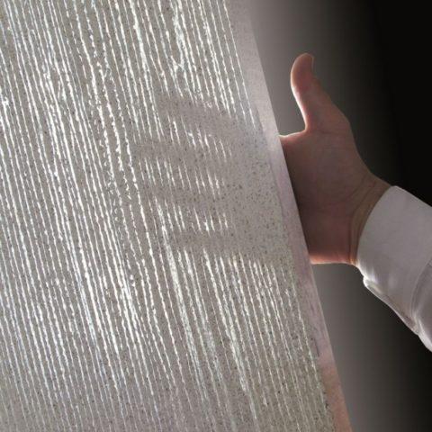 Стекловолокно создает отражающую матрицу, позволяющую бетону пропускать свет
