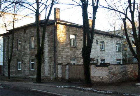 Здание из пенобетона простояло десятки лет даже без наружной отделки