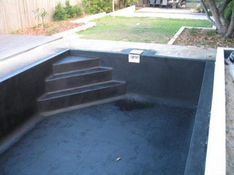 Чаша бассейна, покрытая жидкой резиной