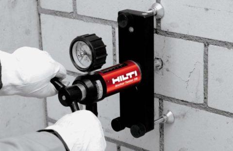 Испытания прочности анкера, установленного в ячеистый бетон