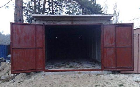 Металлические распашные ворота на каркасе