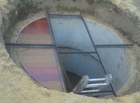 Погреб из бетонных колец