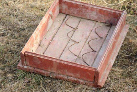 Самодельная форма для бетонной плитки из дерева