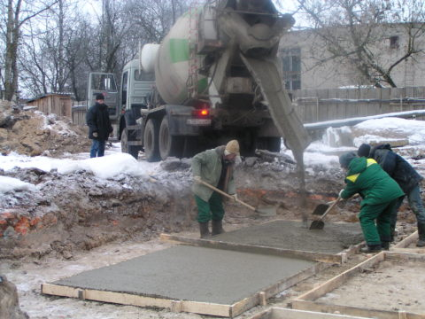 Укладка бетона при отрицательных температурах