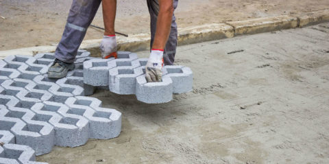 Укладка небольших по размеру модулей может производится вручную