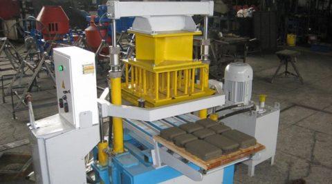 Вибропресс для производства бетонной плитки