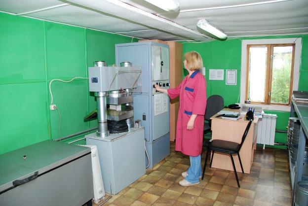 Контролем качества бетона занимаются лаборатории