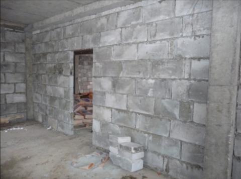 Межкомнатная стена из пенобетона