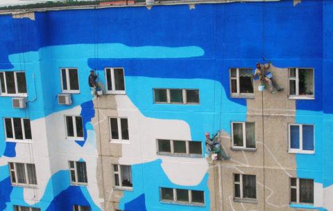 При помощи окрашивания можно превратить скучный серый бетонный фасад винтересное дизайнерское решение