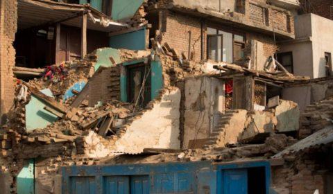 Разрушительные последствия землетрясения мощностью в 9 баллов. Япония. 2011 год.