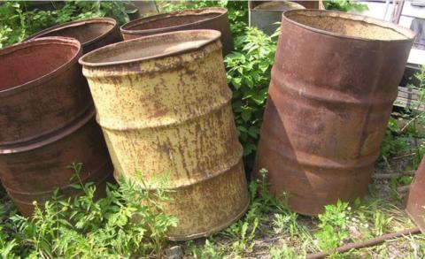 Старая бочка— отличный материал для опалубки бетонных колец
