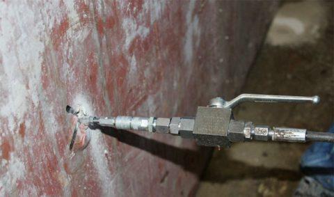 Устранение дефектов покрытия методом инъектирования