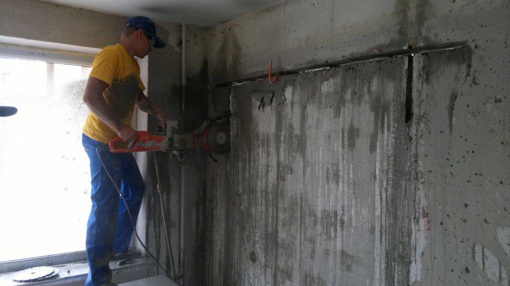 Как сделать дверной проем вбетонной стене