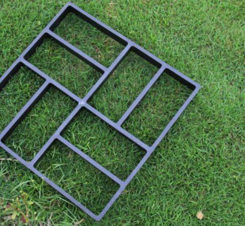 Форма, полностью имитирующая дорожку из плитки