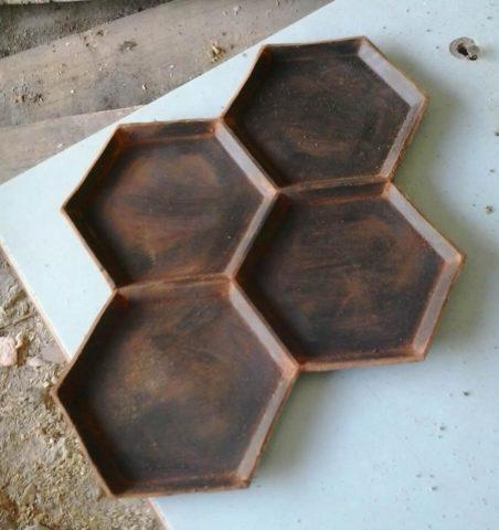 Штамп из жесткого пластика имитирующий шестигранную плитку