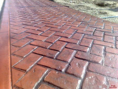 Штампованный бетон с имитацией брусчатки