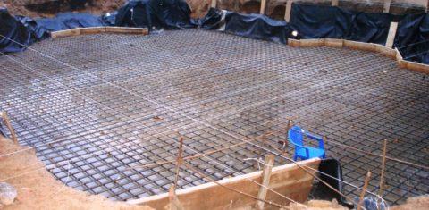 Сильный поток бетона может сместить арматурный каркас