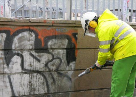 Удаление граффити при помощи пескоструйной обработки