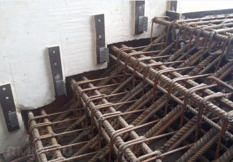 Внутреннее армирование монолитной бетонной лестницы