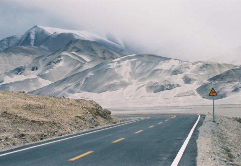 Большинство дорог по всему миру уложены из асфальтобетона
