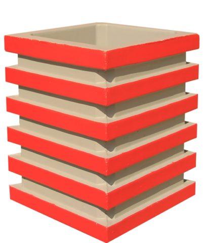 Поверхностно окрашенная четырёхгранная модель срельефом