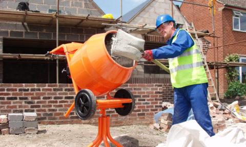 Приготовление бетона вбетономешалке
