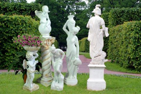 Скульптура очень органично вписывается вландшафт современного парка