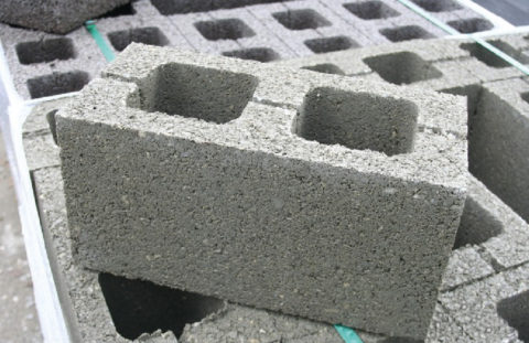 Строительный пустотный блок