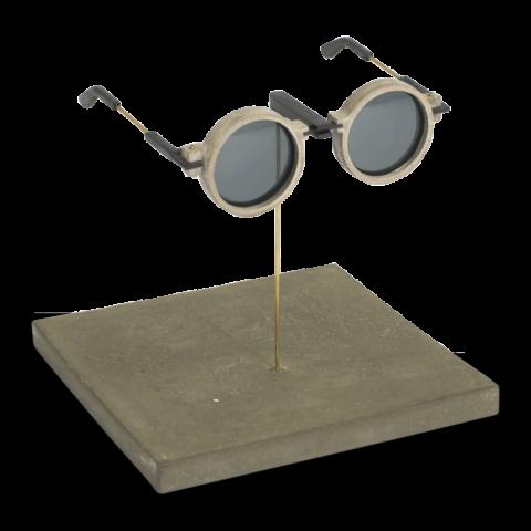 Выставочный экземпляр бетонных очков