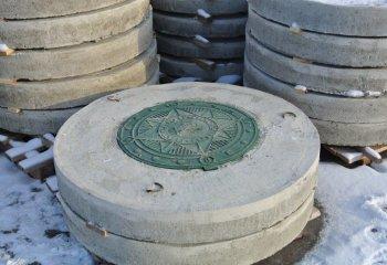 Плита перекрытия с отверстием по центру