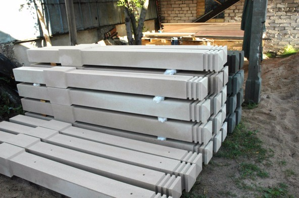 столб из бетона
