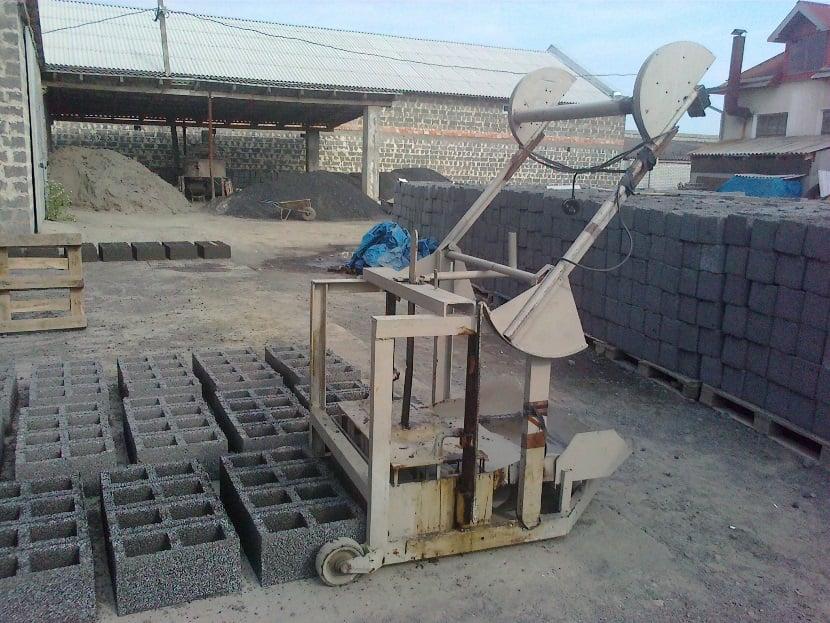 станок для строительных блоков своими руками