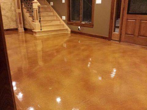 Лакированный бетонный пол