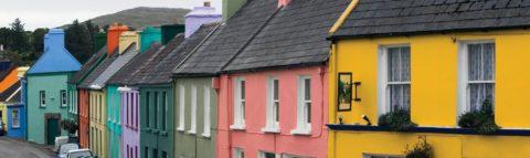 Цветное покрытие бетона должно иметь высокую степень стабильности квоздействию ультрафиолета иатмосферных осадков