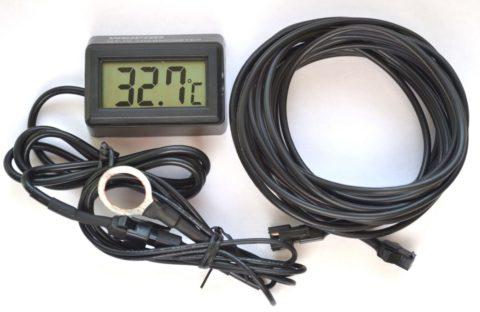 Если предполагается использовать электродвигатель в жестком температурном режиме, то следует позаботиться об его оснащении контактным температурным датчиком, с цифровой индикацией