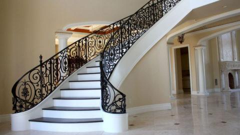 Красивые и прочные лестницы из бетона станут украшением любого интерьера