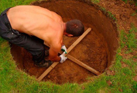 Труд землекопа может быть исключительно ручным