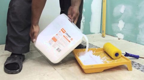 Грунтование – обязательная процедура перед нанесением штукатурки