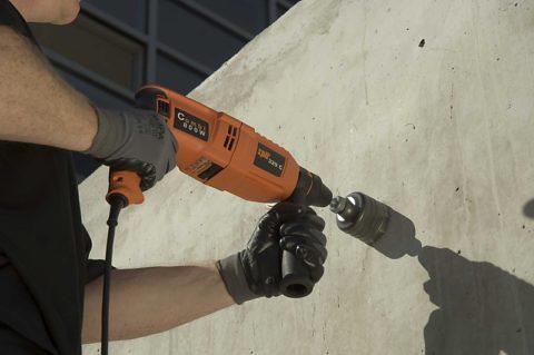 Как сверлить отверстие в бетоне