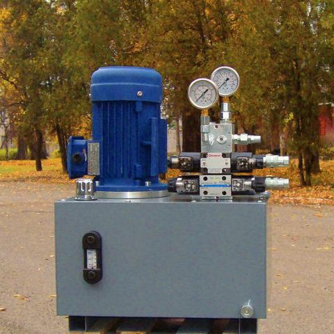 Маслостанция, как гидросиловая установка, генерирует необходимое количество энергии, которая по гидравлической магистрали передается на рабочий орган и совершает необходимую работу