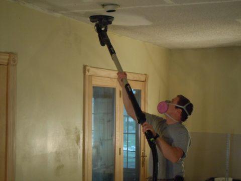 Шлифовка поверхности потолка