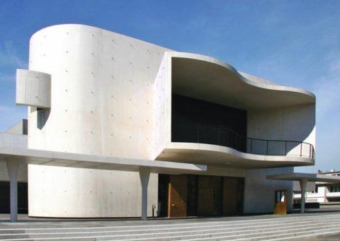 Сооружение из арт-бетона