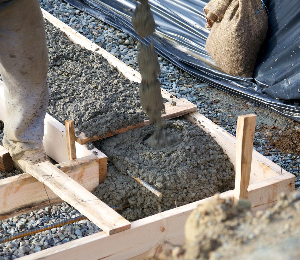 Высота сброса бетона в опалубку влияет на качество конструкции