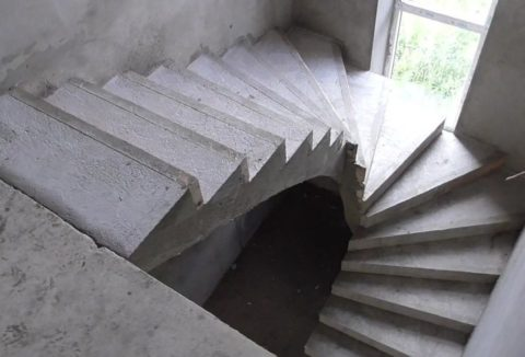 Альтернатива межмаршевой площадке в условиях дефицита пространства– забежные ступени