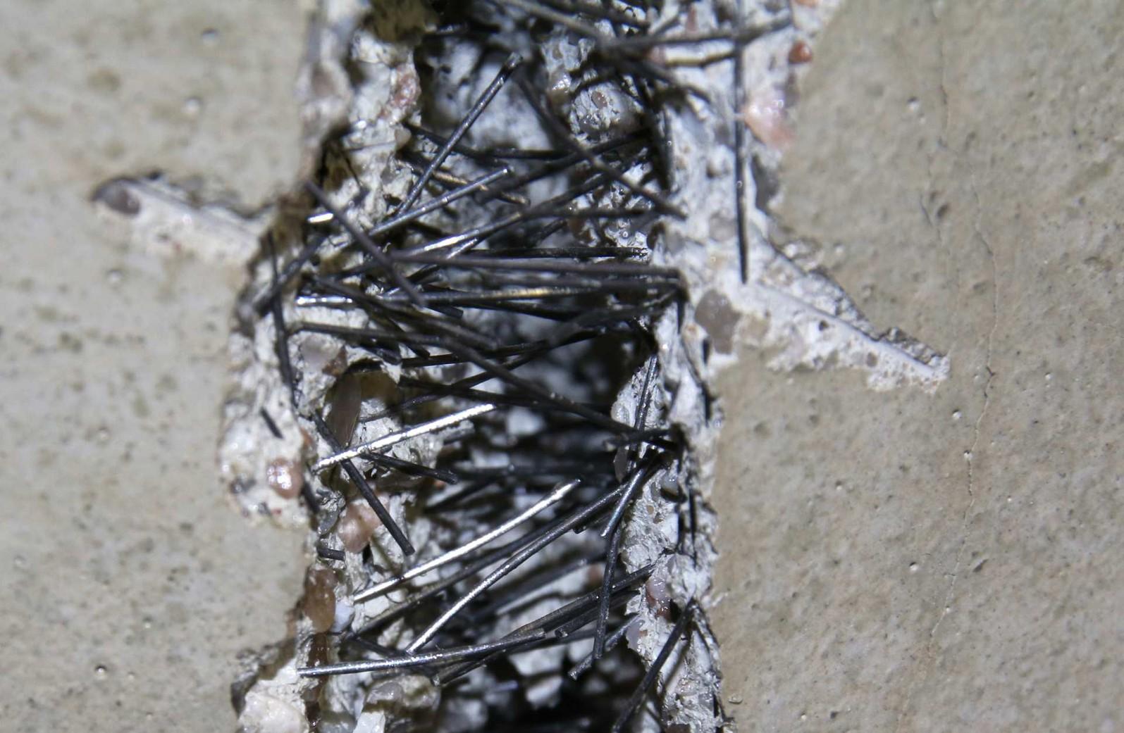 как добавлять фибру в бетон